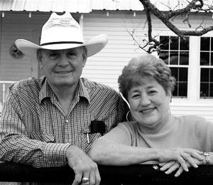 Tom and Cadie Davison of Reagan, Texas Celebrate 50th Wedding Anniversary